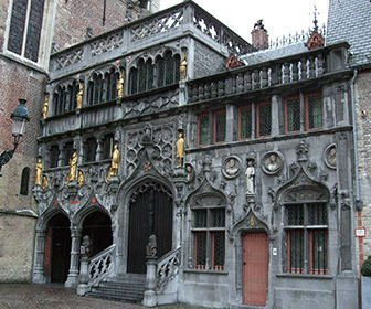 la Basílica de la Santa Sangre