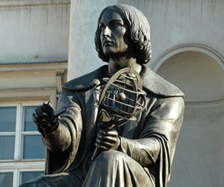 estatua a copernico