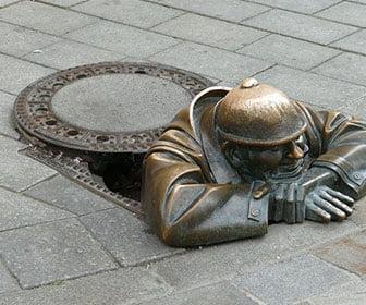 Estatua Man at work Bratislava
