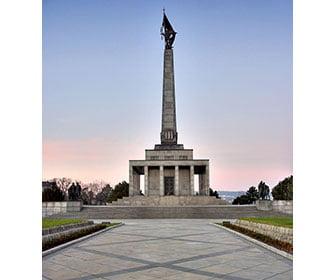 Slavin monumento de Bratislava