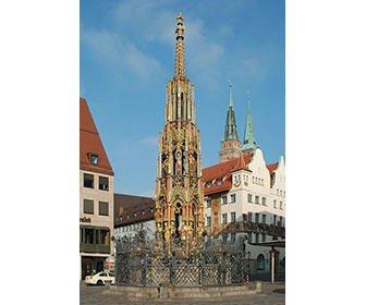 Fuente mas bella de Nuremberg