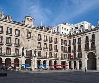 Plaza porticada Santander